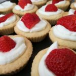 Mini tartaletky – maslové košíčky s krémom a ovocím