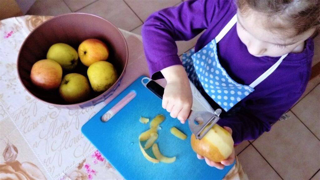 Bambulka pomáha pri čistení jabĺk